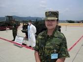 2011松山機場:可愛的女中尉.JPG
