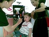 歆妤Baby-2~3歲:造型師阿姨們可要幫我的造型做的美美的喔
