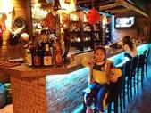 歆妤Baby-6~7歲:20120229-03 牛仔啤酒屋.JPG