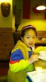 歆妤Baby-6~7歲:20120229-04 牛仔啤酒屋.jpg