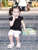 歆妤Baby-2~3歲:耶~媽咪說這個獎品要交給我保管.