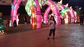 歆妤-9~10歲:20150307-032-佛光山燈會.jpg