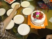 歆妤Baby-4~5歲:準備吃蛋糕囉~我來發盤子