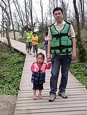 歆妤Baby-2~3歲:這是島上的唯一一條步道