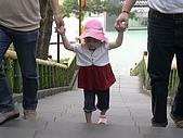 歆妤Baby-2~3歲:今天天氣很好,要出去外面踏踏青喔!