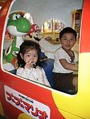 歆妤Baby-2~3歲:還有~這一位是雙胞胎的哥哥喔!