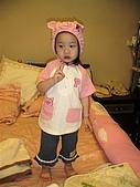歆妤Baby-2~3歲:你看~我穿這件小豬裝可愛嗎?