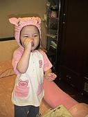 歆妤Baby-2~3歲:我再裝個豬鼻子應該會更好.