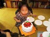 歆妤Baby-4~5歲:吹蠟燭囉~
