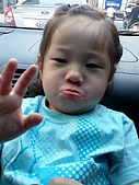 歆妤Baby-2~3歲:今天路上怎麼這麼多車ㄚ
