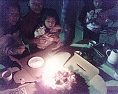 歆妤Baby-3~4歲:今天好多人來幫我吃蛋糕耶!!