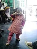 歆妤Baby-2~3歲:妳看~我今天的氣色不錯吧!