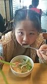歆妤Baby-8~9歲:20140228-02 四海小吃.JPG