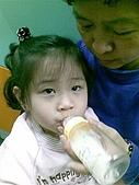 歆妤Baby-3~4歲:我用奶瓶喝ㄋㄟㄋㄟ的應該不會超過10次,每一次都值得回味呢!