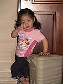 歆妤Baby-2~3歲:房間的實木地板就是被我推這個垃圾桶給刮花的.
