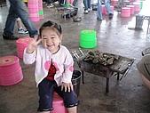 歆妤Baby-2~3歲:耶~今天爸比帶我來七股坐船和烤蚵仔ㄟ!
