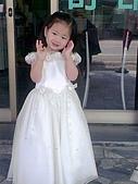 歆妤Baby-2~3歲:又接到花僮的訂單了-趕快來試一下禮服囉