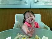 歆妤Baby-2~3歲:今天爸比帶老綠來頭又大做保養