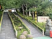 歆妤Baby-2~3歲:這是進寺前的階梯.
