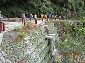 101010~12大霸尖山(第一天):101010 010第一次看到的PVC大水管彎頭.jpg