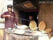 南北疆之47喀什古城中的古城:48維吾爾人的主食.JPG