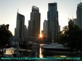 杜拜再起之舞向藍天的無限塔旋轉超高大樓:03杜拜Marina遊艇碼頭區的無限塔超高旋轉大樓.JPG