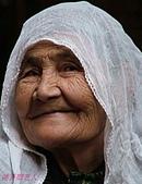 南北疆之49喀什女人:18喀什各民族女性皆愛帽子頭巾10.JPG