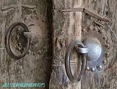 南北疆之47喀什古城中的古城:09歲月流刷痕跡斑斑的門.JPG