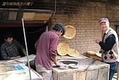 南北疆之56新疆的饢文化:05現學現賣.JPG