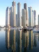 關於杜拜再起系列:興建中的超高建築物與水上倒影