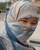 南北疆之49喀什女人:05戴頭巾面紗的喀什女人.jpg