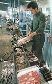 南北疆之45屋簷下的喀什(下):41-2烤羊肉串.JPG