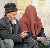 南北疆之49喀什女人:03沒頭沒臉的喀什女人2.jpg