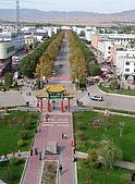 南北疆旅遊之20特克斯縣八卦城:17八條主道之一的一環道路.jpg
