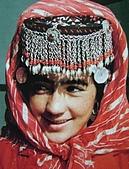 南北疆之49喀什女人:37-3喀什精美的頭鏈帽子.JPG
