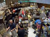 杜拜再起之過客見證:31紀念品店顧客川流不息.JPG