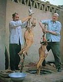 南北疆之45屋簷下的喀什(下):46-2烤全羊開始15.JPG