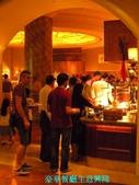 杜拜再起之過客見證:33餐廳生意興隆.JPG