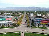 南北疆旅遊之20特克斯縣八卦城:13八條主道之一的一環道路.JPG