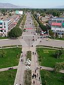 南北疆旅遊之20特克斯縣八卦城:15八條主道之一的二環道路.jpg