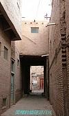 南北疆之47喀什古城中的古城:13閣樓跨牆隧道自成.JPG