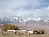 南北疆之完結篇《走在帕米爾高原上》:20雪山下的村落3.JPG