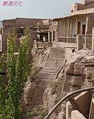 南北疆之47喀什古城中的古城:37巖邊民宅.JPG