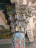 南北疆之48香妃傳奇:17香妃墓園旁的8清真寺精美柱雕1.JPG